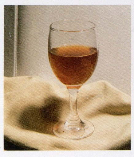 玻璃杯实物:素描高脚杯结构步骤教程
