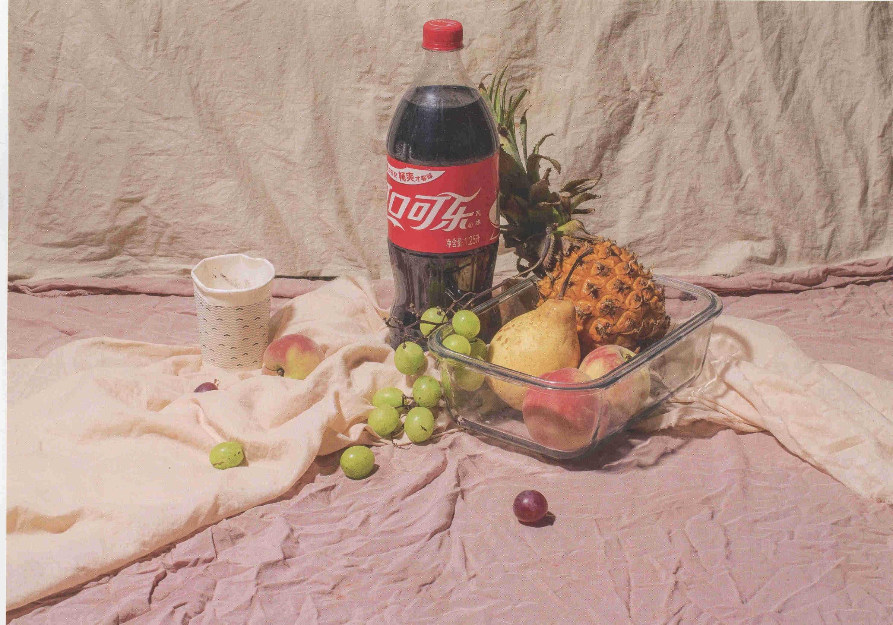 素描可乐瓶菠萝、葡萄、苹果组合道具 超清